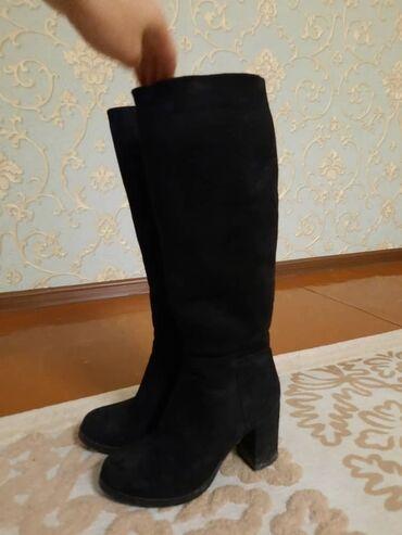 Зимние сапоги замшевые, тёплые, на удобных каблуках. Носила всего пару