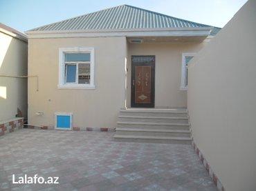 Bakı şəhərində Bineqedi qesebesinde yol kenarinda ferdi yawayiw evi satilir. 3
