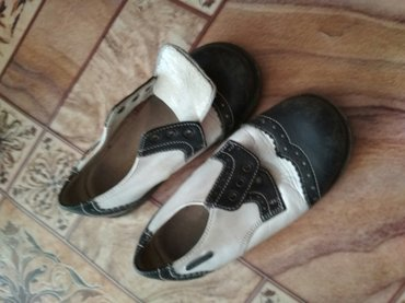 продаю кожаные детские туфли. 24й размер. состояние хорошее. в Бишкек