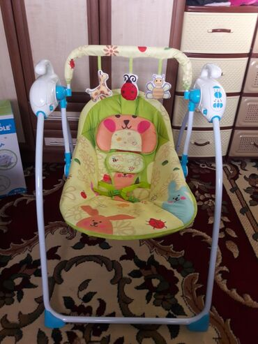 шезлонг для грудничков в Кыргызстан: Электро люлька шезлонг новая! Может работать и от сети, и от