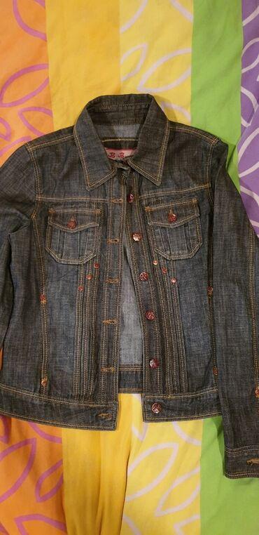 Куртки - Кыргызстан: Джинсовая куртка новая,остальное б/у в отличном состоянии,все