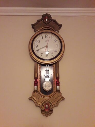 Ev saati - Azərbaycan: Divar saatı satılır 18 azn işlək veziyetdedir heçbir prablemi yoxdur