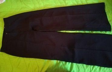Crne pantalone. Odgovara velicini xs-s - Novi Sad