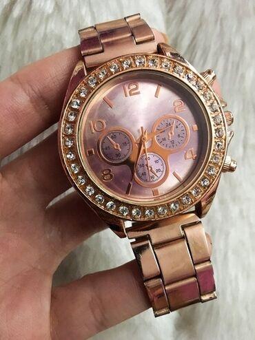 Kopija - Srbija: Guess rose gold. Sat je u perfektnom stanju, očuvan, malo je nošen