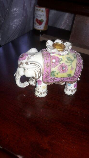 Продаю слонов подсвечники 2штуки.цена за пару