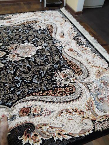 Продаю новый персидский ковер 2×3 .Ковер красивый,подарит тепло Вашей