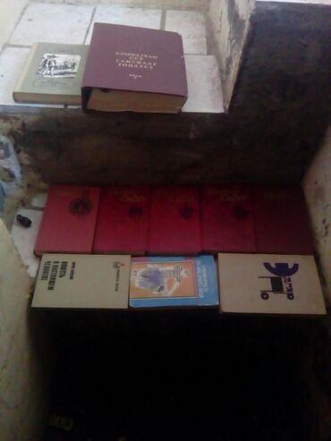Kitab, jurnal, CD, DVD Gəncəda: Bir birnen reyli rus kitablari biri 50 qepik