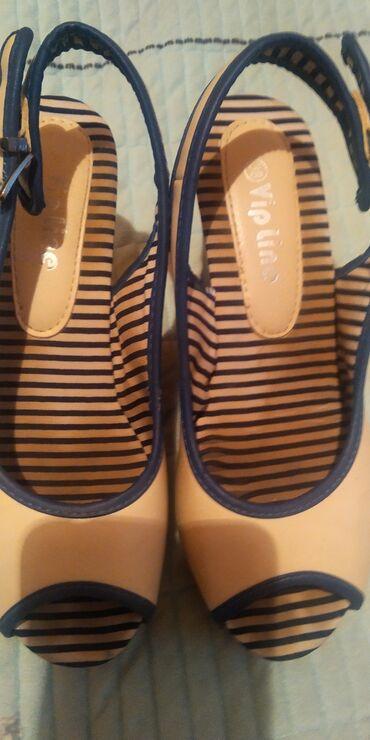 Женская обувь в Беловодское: Продается женские босоножки