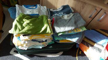 bershka bluza u Srbija: Kosuljica 5 prsluka 2 majca 29 bodi mix 46 pantalone mix 53 bluzice i