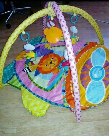 Drzaci za carape - Indija: Podloga za bebu