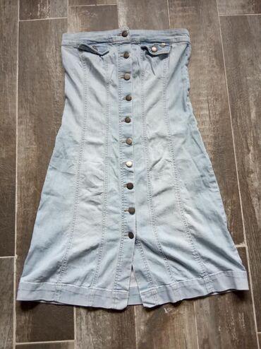 Jako lepa teksas top haljinica, zakopcava se na dugmice velicine je