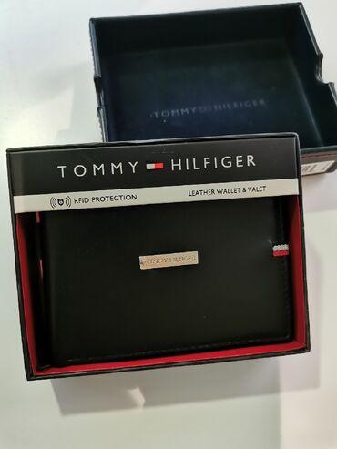 Kozni novcanici - Srbija: Tommy Hilfiger muski kozni novcanik crni 1Nov, original. Od prave koze