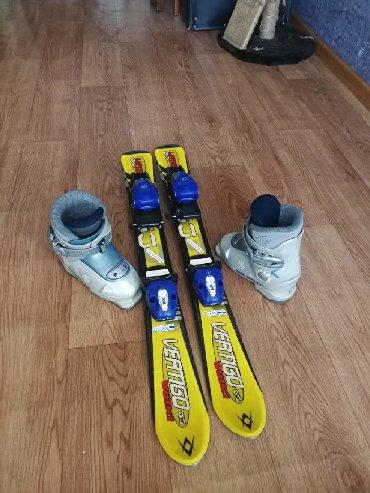 Лыжи в Кыргызстан: Лыжи и ботинки на 3-5 лет. Лыжи 80 см. Ботинки внутренние 165мм