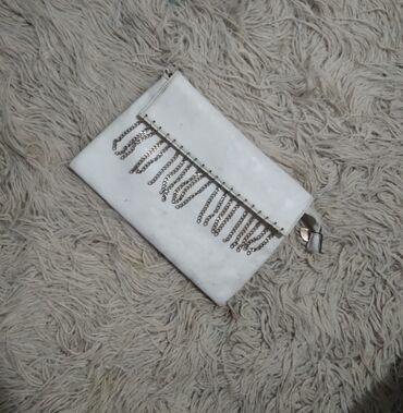 Prelepa zenska torbica