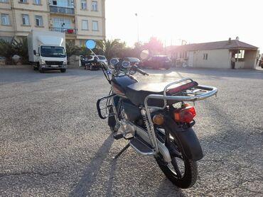 bmw 5 серия 525i 5mt - Azərbaycan: 50 kub moon motoskleti Heç bir problemi yoxdur Üstünde baqajda var  Re