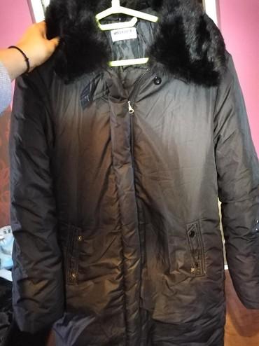 Jakna do kolena - Srbija: Zenska jakna do kolena. Crna, topla, malo nosena, udobna. Krzno oko