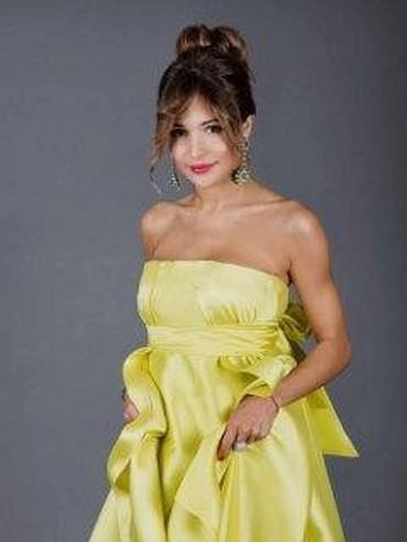 роскошное вечернее платье в Кыргызстан: Первое: роскошное, эксклюзивное платье надевали один раз на выпускной