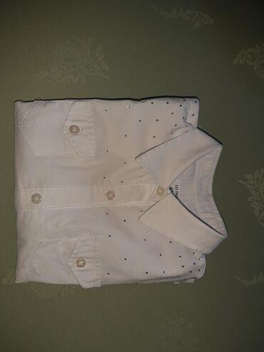Bela košulja za devojčice veličine 4. Breeches.Očuvana. Prelepa. Može