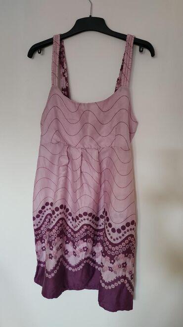 Ženska odeća   Nis: Letnja haljinica bez ikakvih oštećenja. Veličina M
