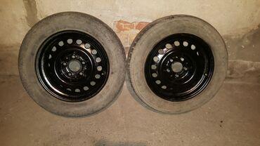 шина 205 65 r15 в Кыргызстан: Продаю колеса на мерседес 124. Размер 205. 65. R15