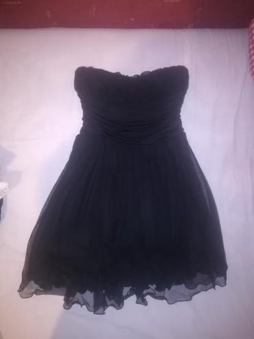 Mala crna haljinica, jednom obucena, nema ostecenja, univerzalna - Indija