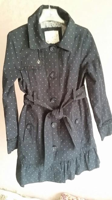 детская куртка для девочки 5 6 лет в Кыргызстан: Плащ для девочки 5-6 лет. б/у. Sela. тёмно-синий