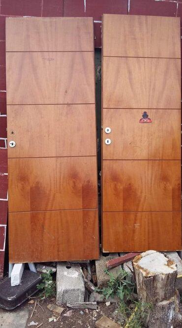 Πωλούνται πόρτες