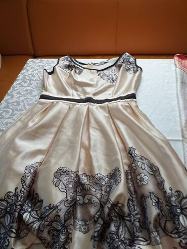 Ženska odeća | Borca: NOVA HALJINA SA ETIKETOM SVILA BROJ 40 DO KOLENA ELEGANTNA SA ZIPONOM