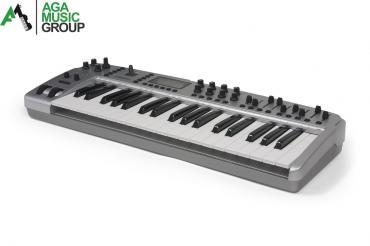 Bakı şəhərində Worlde midi-klaviatura