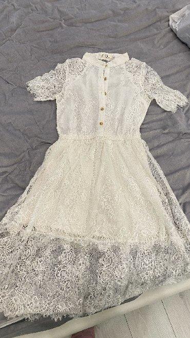 Красивое белое платье пару раз одевалось