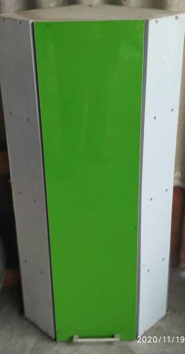 шкаф для посуды в Кыргызстан: Шкаф угловой. 4 полки внутриМатериал ламинат-акрил.Очень удобно