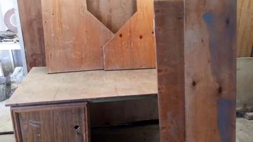 угольник стол в Кыргызстан: Продаю стол верстак советский,очень крепкий и большой, в собранном