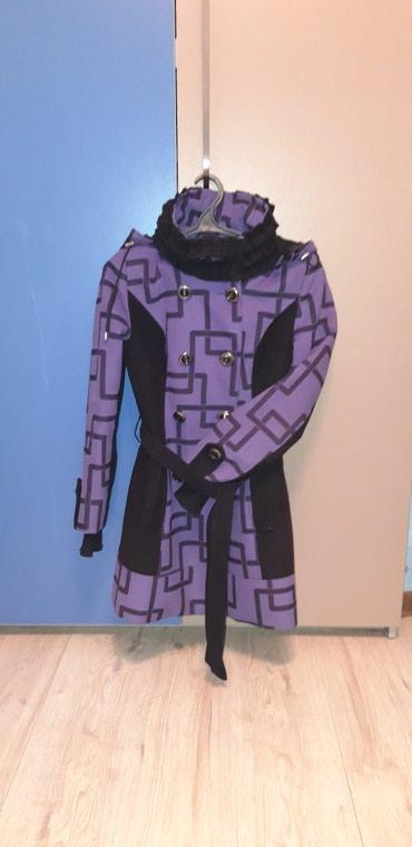 Пальто. Размер 44, даже больше на 42. в Токмак