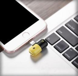 аксессуары для мобильных телефонов в Кыргызстан: Переходник для наушников и зарядки на iphone 7 и выше