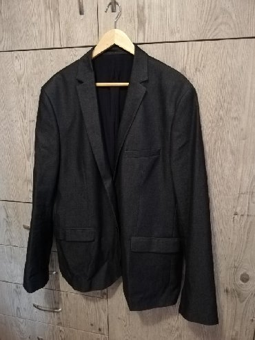 Πωλείται ανδρικό σακάκι ανθρακί XL σε άριστη κατάσταση!