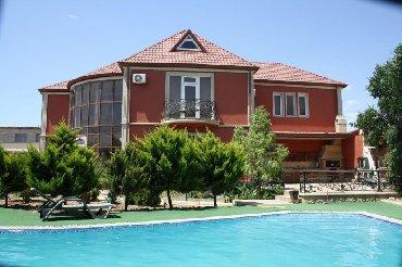 Otel və hostellər - Azərbaycan: Сдаю виллу МАРДАКЯН . 15 сот. 6 ть ком ком .басейн .сауна . 4