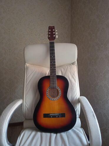 Продаю гитару HIH 038g размер 7/8 очень даже в хорошем состоянии