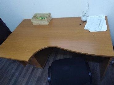 стол большой для дома в Кыргызстан: Продаю большой стол +тумбочка