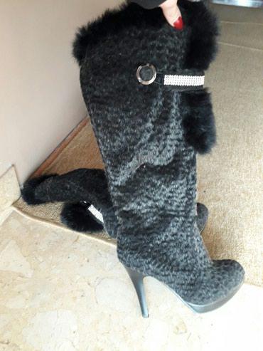 Crne elegantne cizme br.37 .Malo nosene,bez ostecenja - Cuprija