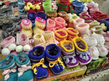 Личные вещи - Чолпон-Ата: Продаю детские пинетки вязанные