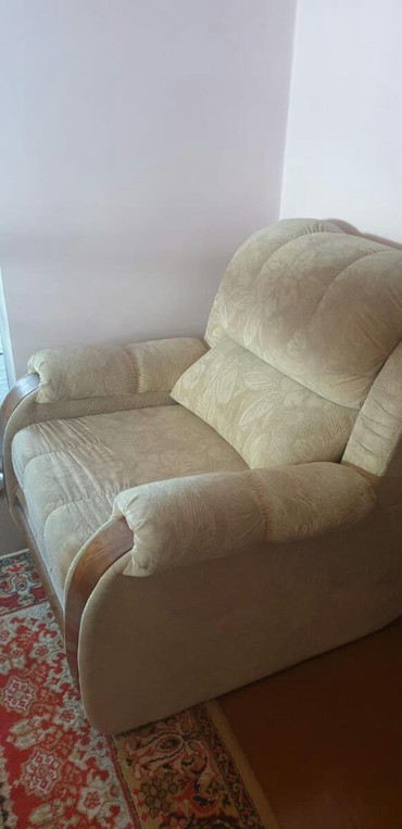 Продаю мягкую мебель, диван и два кресла ц 20000 сом в Кара-Балта