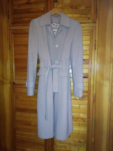Продаю б/у пальто. Тёплое. В отличном состоянии 2000. Размер 46 в Бишкек