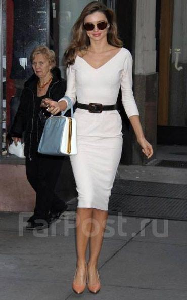 Платье, в стиле Виктории Бекхем. Цена 800с. Размер s. Цвет белый