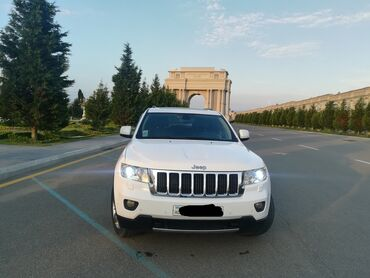 Jeep Azərbaycanda: Jeep Grand Cherokee 3.9 l. 2012 | 131205 km