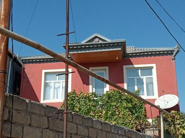 - Azərbaycan: Satılır Ev 130 kv. m, 4 otaqlı