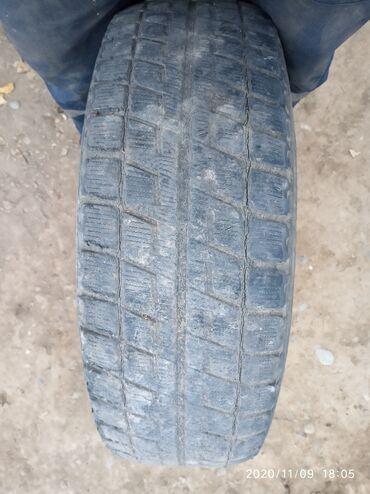 диски на ауди 100 в Кыргызстан: Диск с шиной. Подходит на ауди 100. Только 1 штук. Диска титановая