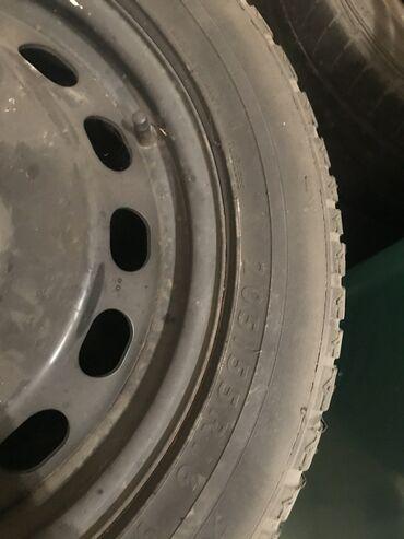 шины 205 55 r16 зима в Кыргызстан: 205 55 R16 резина новая японская dunlop вместе дисками. За всё