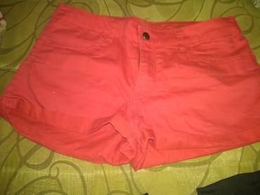Ženska odeća | Boljevac: H&M Crveni kratak sorc. L VEL Fixna cena