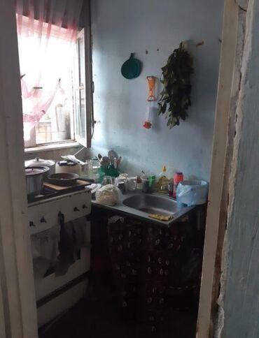 Kirayə ev var orta təmirli həyət evi yolla marketə məkdəbə yaxın