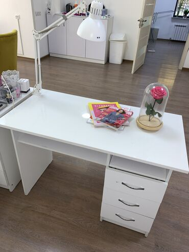 Маникюрный стол, Маникюрный стол для салона, Мебель для салона,стол